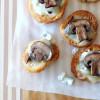 Blue cheese mushroom crostini