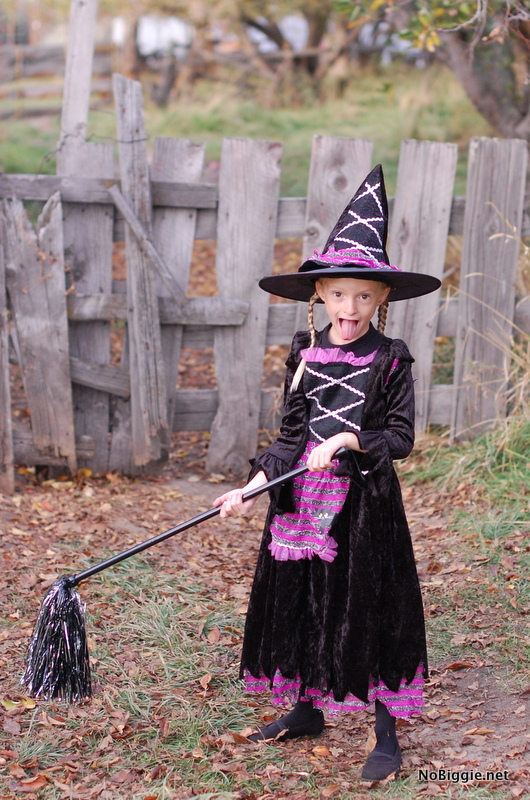 witch costume | NoBiggie.net