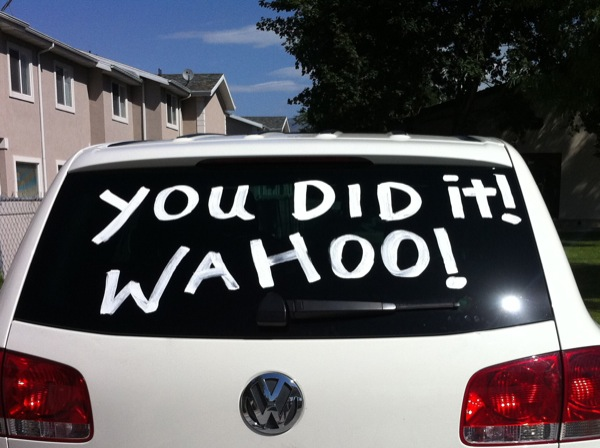 acrylic paint to write on car windows