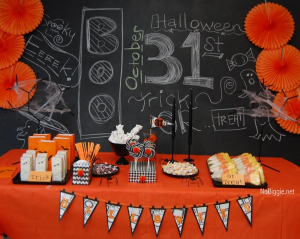 Halloween treat Table | NoBiggie.net