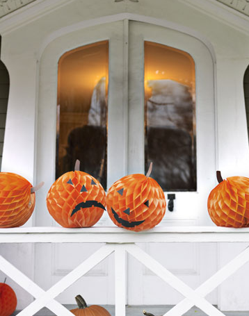 honeycomb paper pumpkins