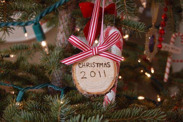 Christmas Tree trunk ornament | a sweet Christmas tradition | NoBiggie.net