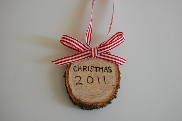 Christmas Tree trunk ornament | a sweet tradition | NoBiggie.net