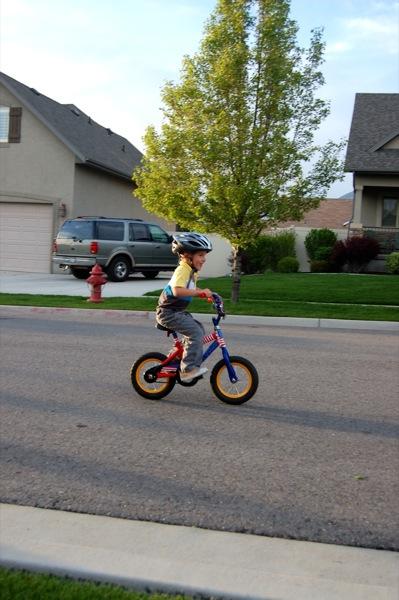 5 key tips for teaching how to ride a bike | NoBiggie.net