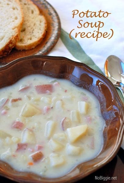 Potato Soup is pure comfort food to warm you and your family on those cold winter nights. #soups #potatosoup #souprecipes #comfortfood