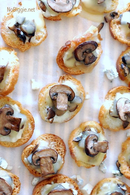 blue cheese mushroom crostini | NoBiggie.net