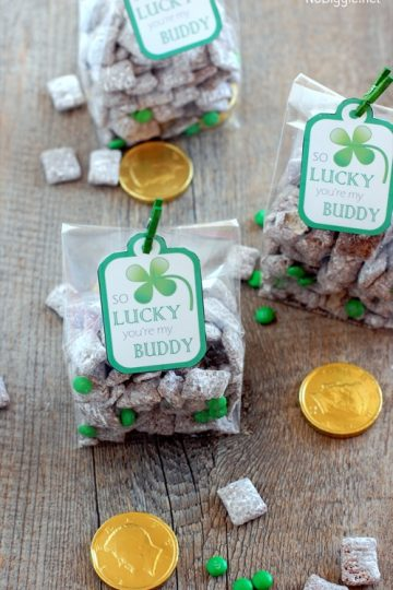 St. Patrick's Day muddy buddies (with free printable)