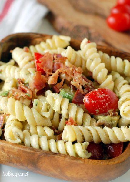 BLT avocado pasta salad - NoBiggie.net
