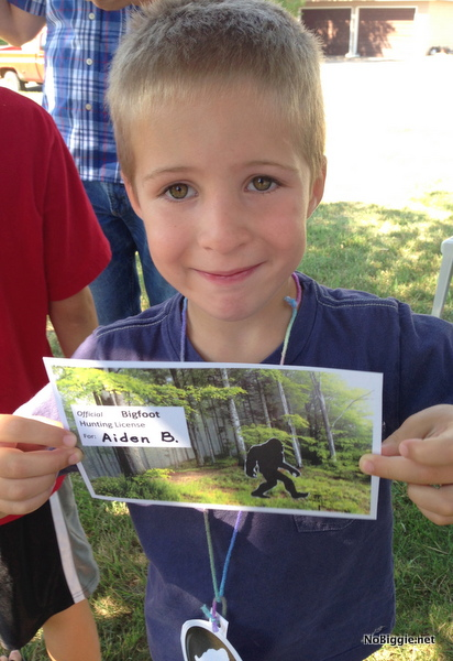Official License to hunt for Big Foot - boy birthday party ideas NoBiggie.net