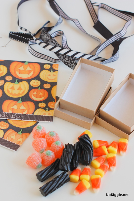 all you need for a fun Halloween party favor | NoBiggie.net