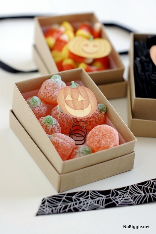 jack in the box Halloween party favors | NoBiggie.net