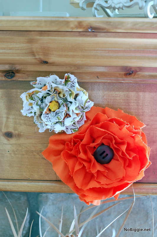 fabric flowers made from a fitted sheet - NoBiggie.net