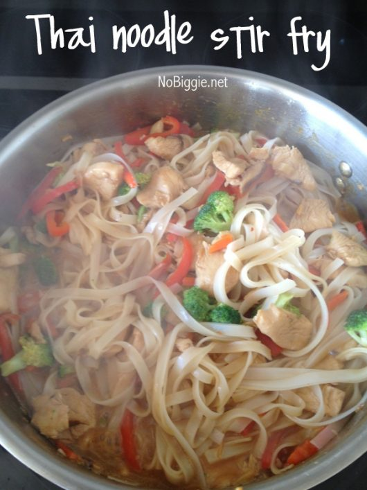 Thai Noodle Stir fry a great chicken dish and a great way to get your kiddos to eat some veggies. #thaifood #thainoodle #stirfry #chicken #thainoodlestirfry