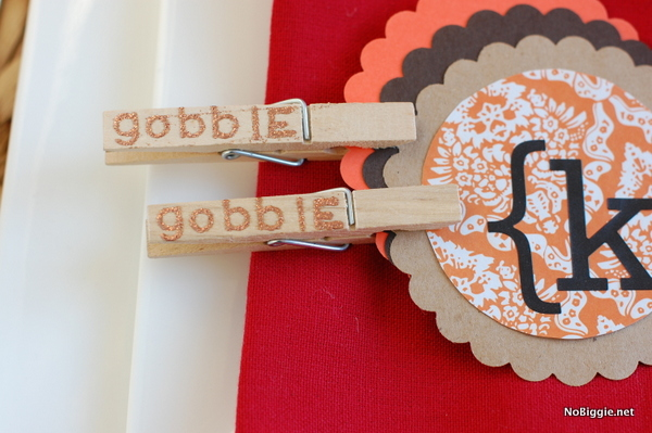 stamped clothes pins for Thanksgiving place setting ideas | NoBiggie.net
