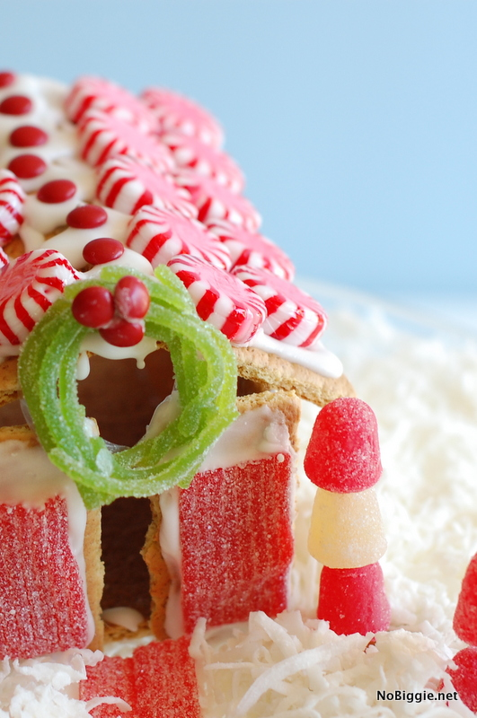 GingerBread House making tips with kids - NoBiggie.net