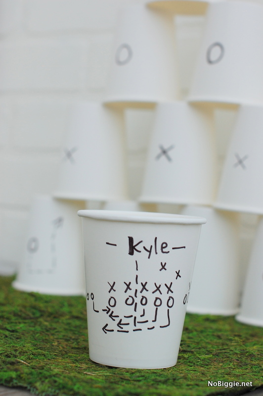 DIY Superbowl party cups via NoBiggie.net