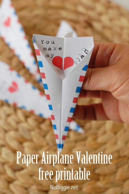 printable paper airplane Valentine - NoBiggie.net