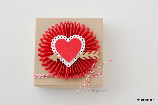 rosette box for Valentine's Day - NoBiggie.net