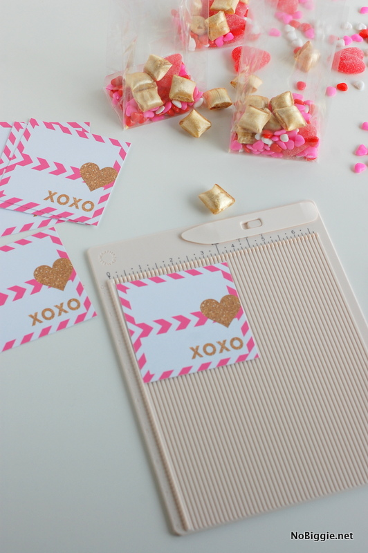 How To - pop up heart Valentines via NoBiggie.net (free printable)