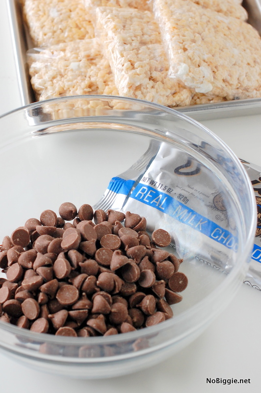 chocolate dipped rice krispie treats - NoBiggie.net