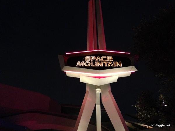 Space Mountain - Disneyland 2014 trip - NoBiggie.net