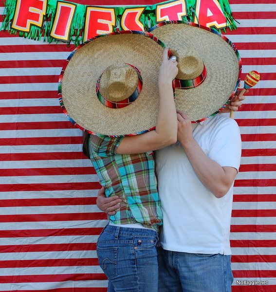cinco de Mayo photo booth ideas | NoBiggie.net