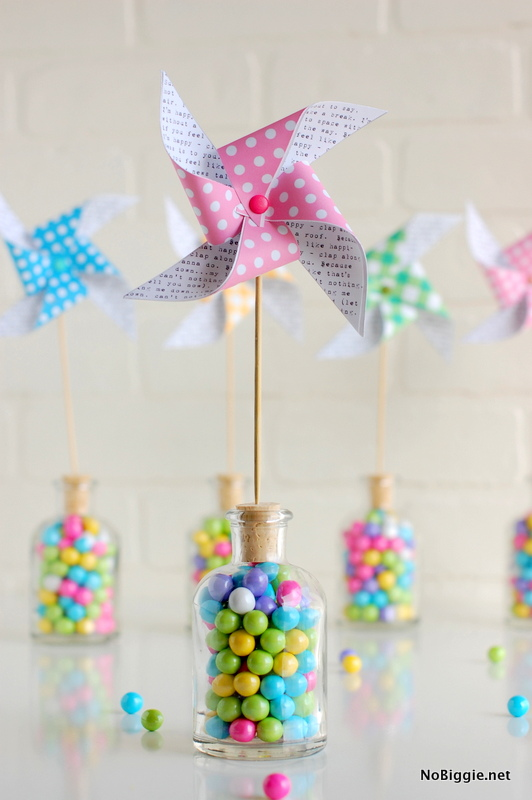 get this free paper pinwheel printable for Spring - NoBiggie.net