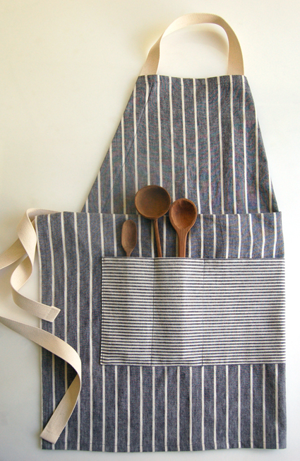 Adjustable Apron | 25+ Fathers Day Gift Ideas