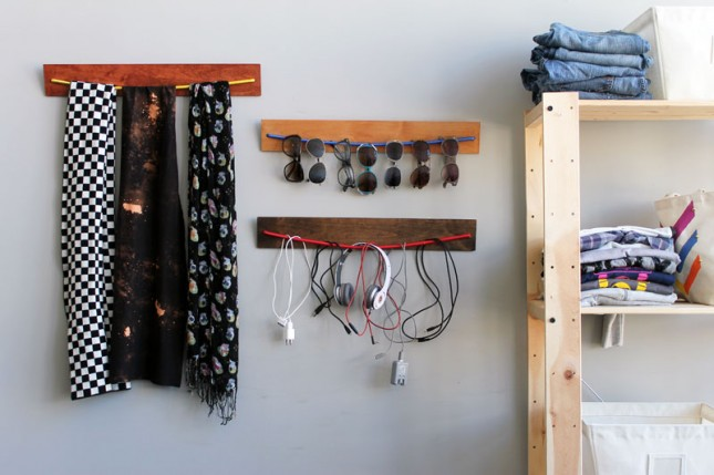 DIY Wooden Bungee Organizer | 25+ Fathers Day Gift Ideas