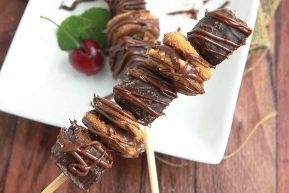 Peanut Butter Brownie Dessert Kabobs | 25+ Desserts on a Stick
