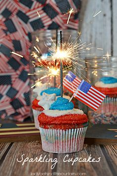 Sparkling Cupcakes | 25+ Patriotic Treats