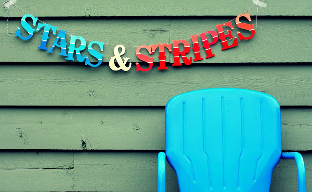 Stars and Stripes Paint Chip Banner | +25 4th of July Party Ideas