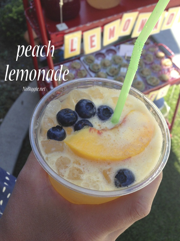 Fresh Peach Lemonade | 25+ Non-Alcoholic Summer Drinks