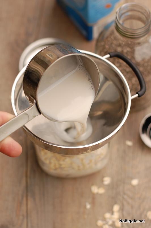 Almond milk for overnight oats | NoBiggie.net