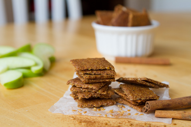 Apple pie crackers | 25+ gluten free and dairy free snack ideas