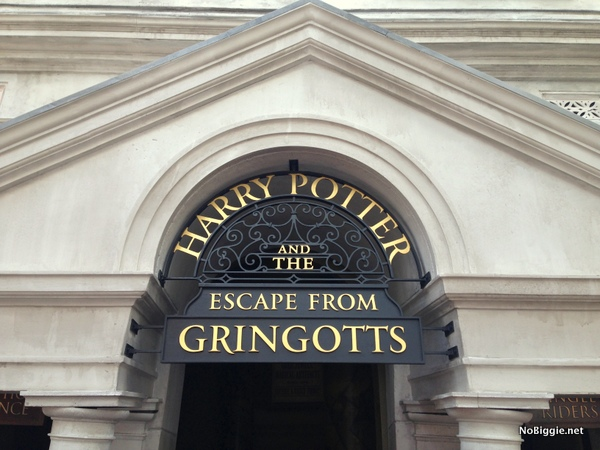 Escape from Gringotts Universal Orlando Family Forward | NoBiggie.net