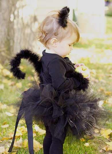 Black cat   25+ Halloween costumes for girls