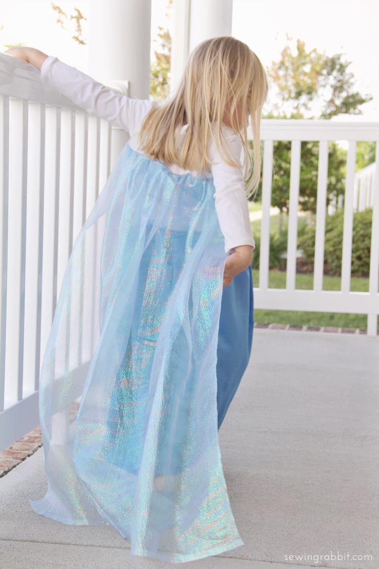 Elsa   25+ Halloween costumes for girls