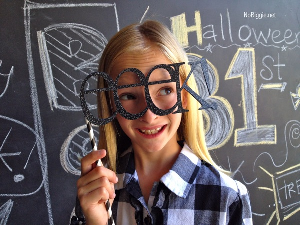 Halloween party photo props | MORE halloween party ideas
