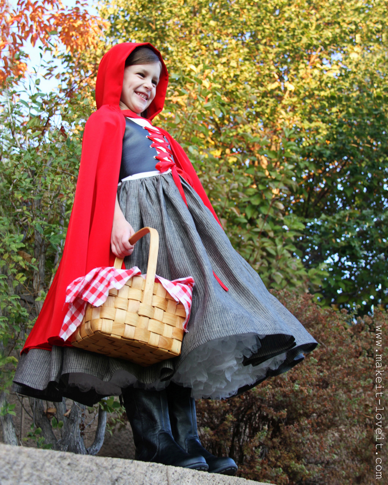 Little red riding hood   25+ Halloween costumes for girls