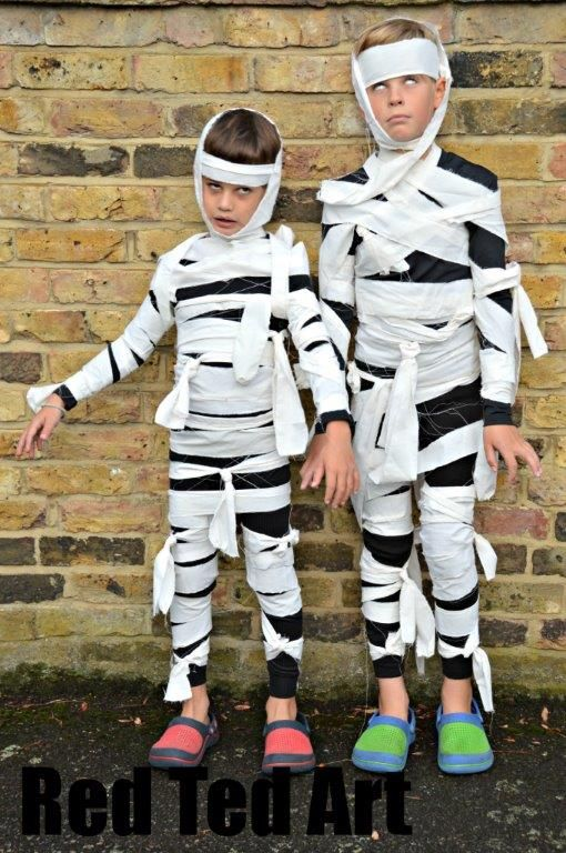 Mummie costume | 25+ creative DIY costumes for boys  sc 1 st  NoBiggie & 25+ Creative DIY Costumes for Boys