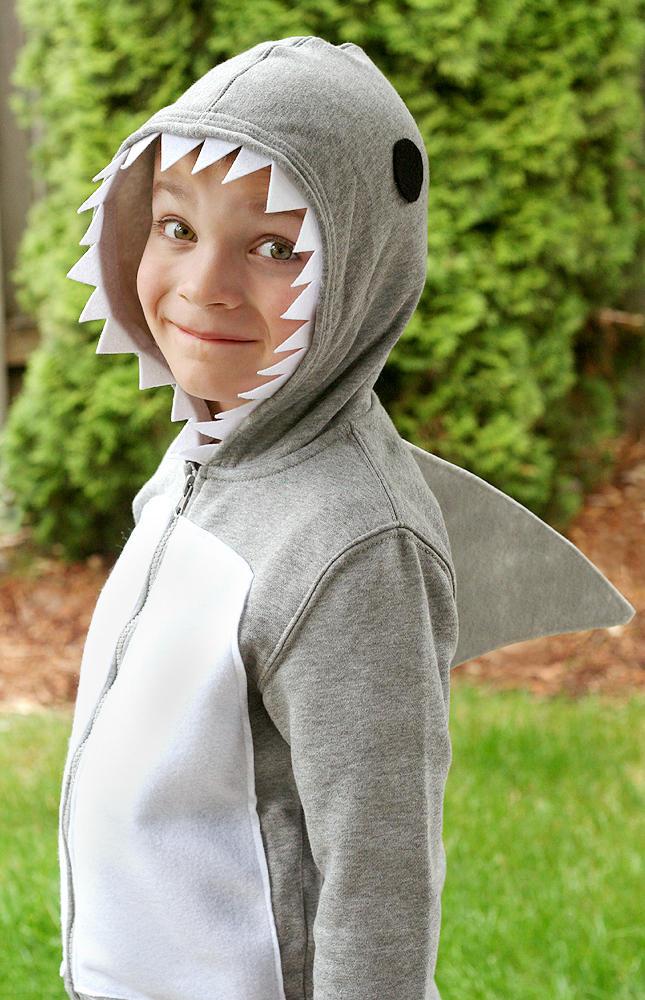 Shark costume | 25+ creative DIY costumes for boys