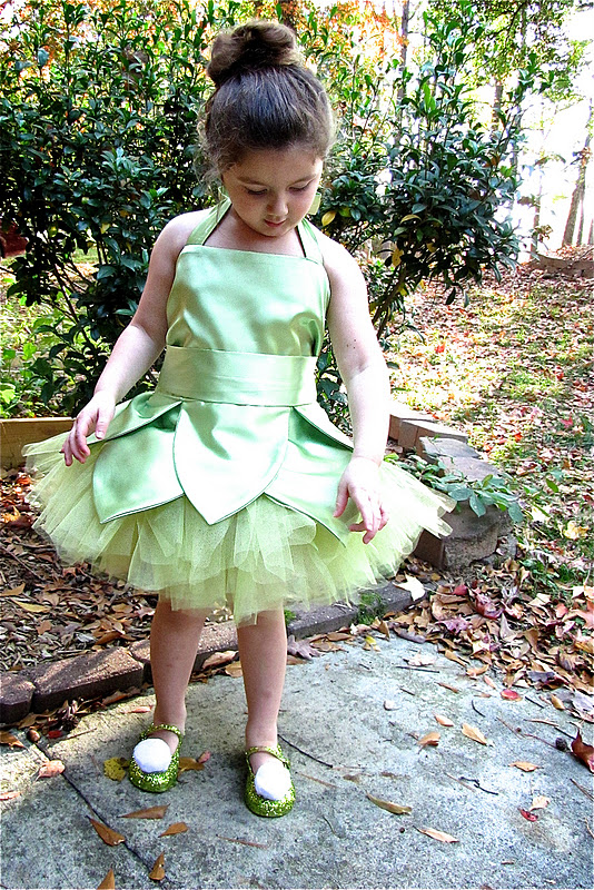 Tinkerbell   25+ Halloween costumes for girls