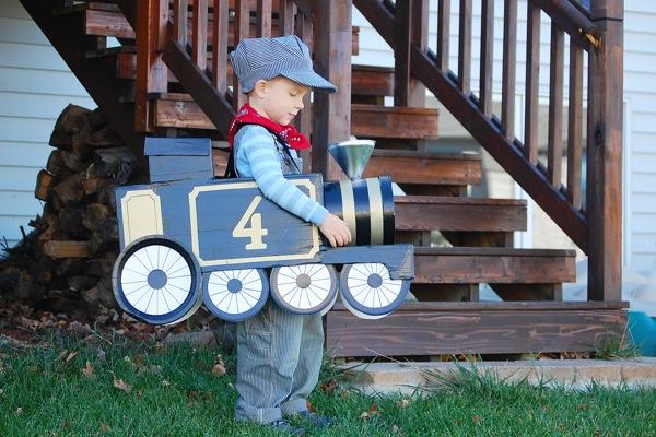 Train costume | 25+ creative DIY costumes for boys
