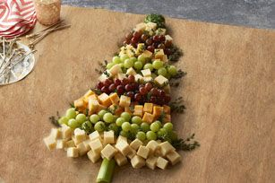 Christmas Tree Cheese Board | +25 Healthy Holiday Snacks