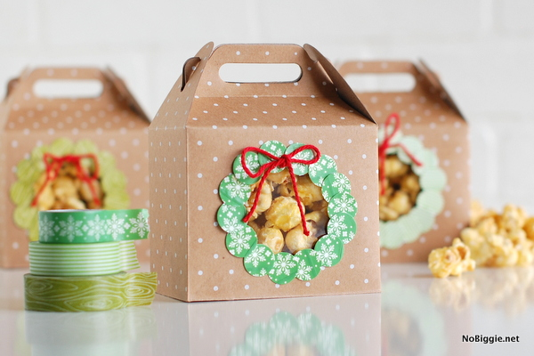 Sneak a peek packs - A featured project from the new book Washi Tape Christmas | NoBiggie.net