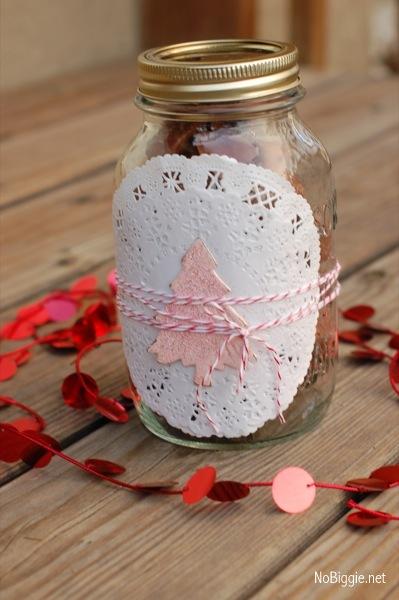 5 fun ways to wrap a gift | NoBiggie.net