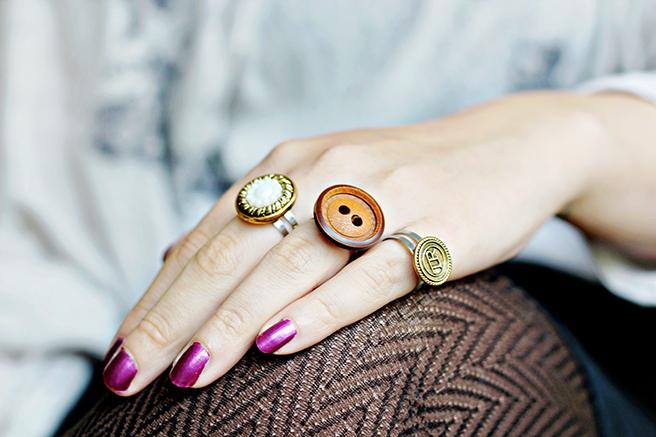 DIY Button rings | 25+ handmade gift ideas under $5