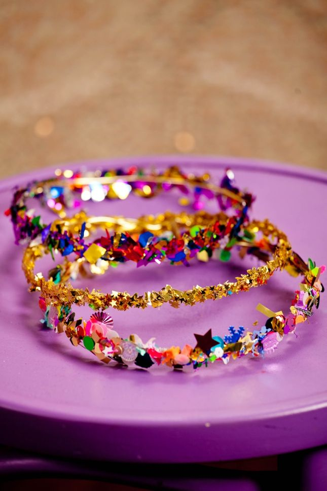 DIY Confetti Crown Tutorial | 25+ New Year's Eve Party Ideas