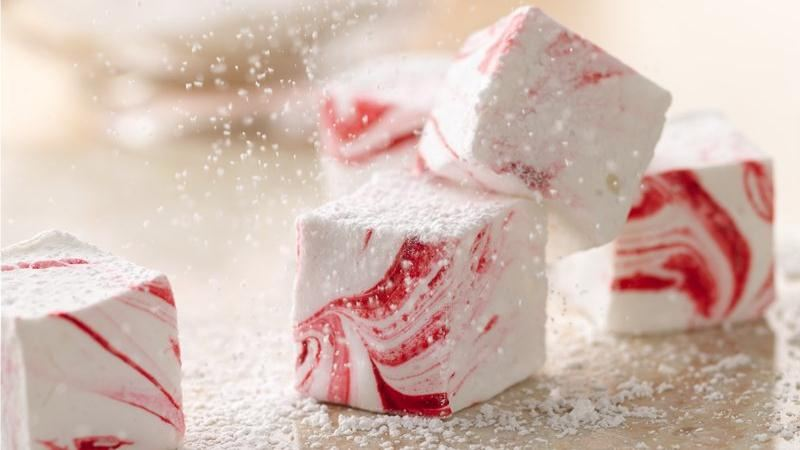 Easy peppermint marshmallows | 25+ peppermint recipes